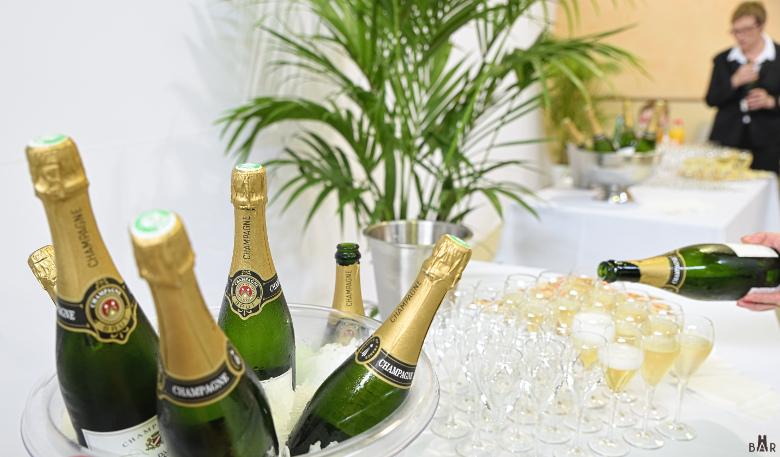 champagne au vin d'honneur apéritif d'un mariage