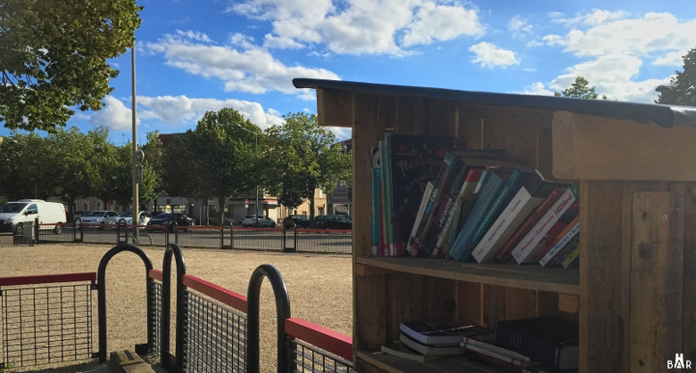 Boîte à livres place Luton